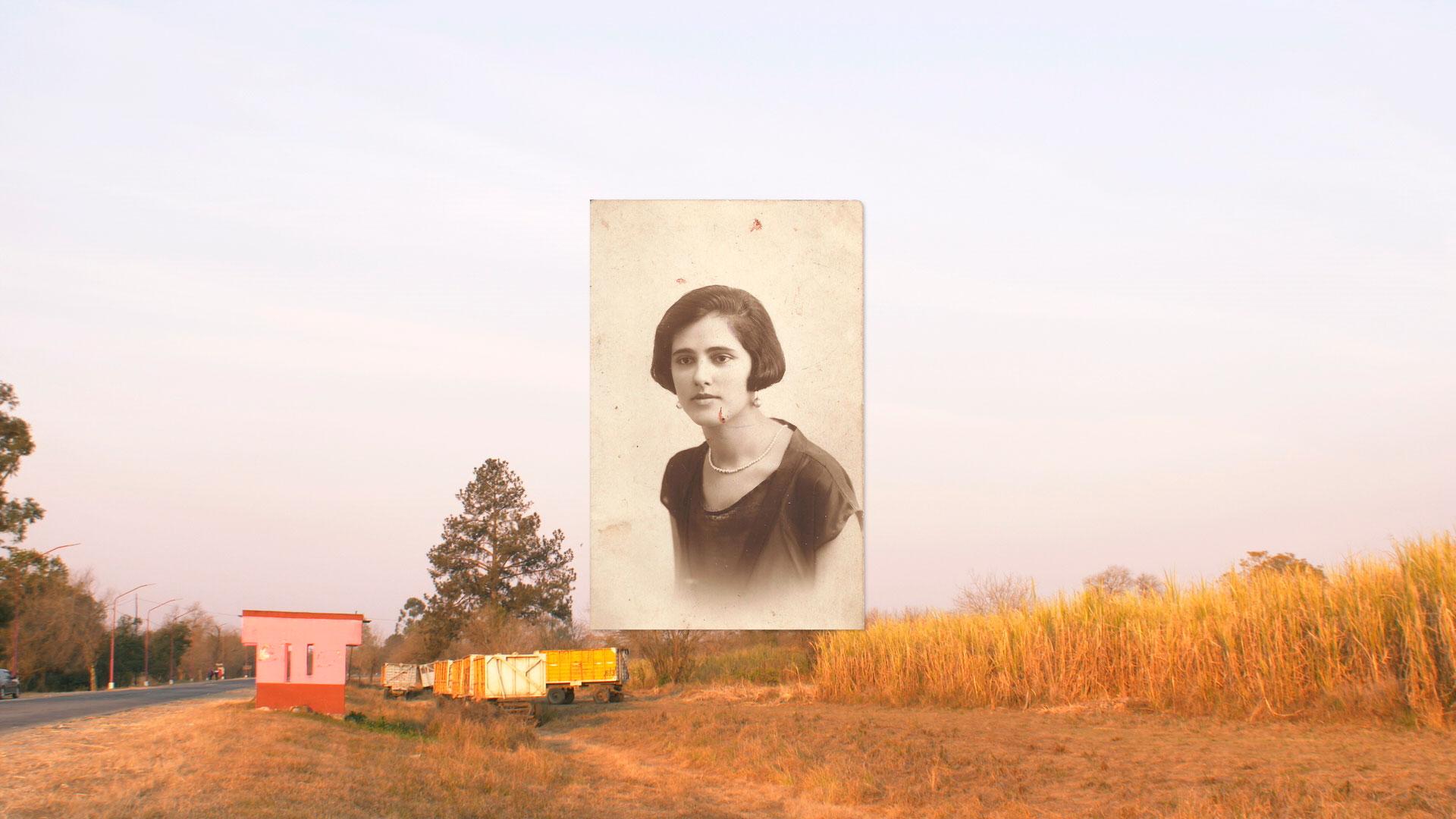 Fotografía antigua de mujer sobre paisaje