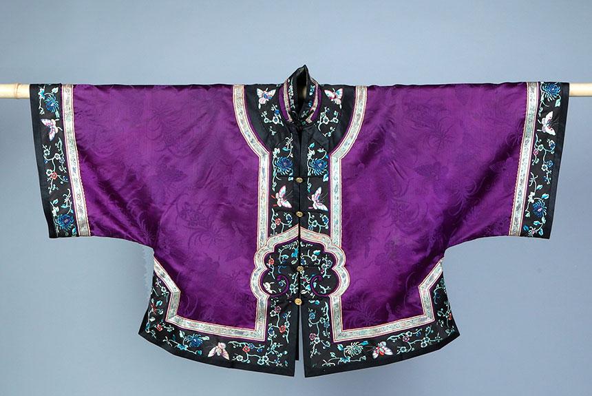 Quipao, chaqueta recta cruzado sobre el pecho cerca de un hombro